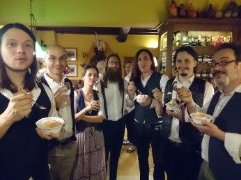 L'orchestrina e il gelato alla frutta del Caffè La Crepa